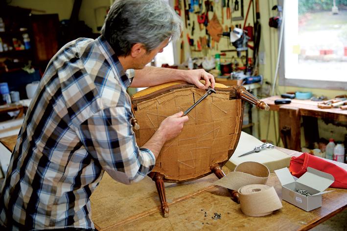 RE/MAX blog, restaurování nábytku